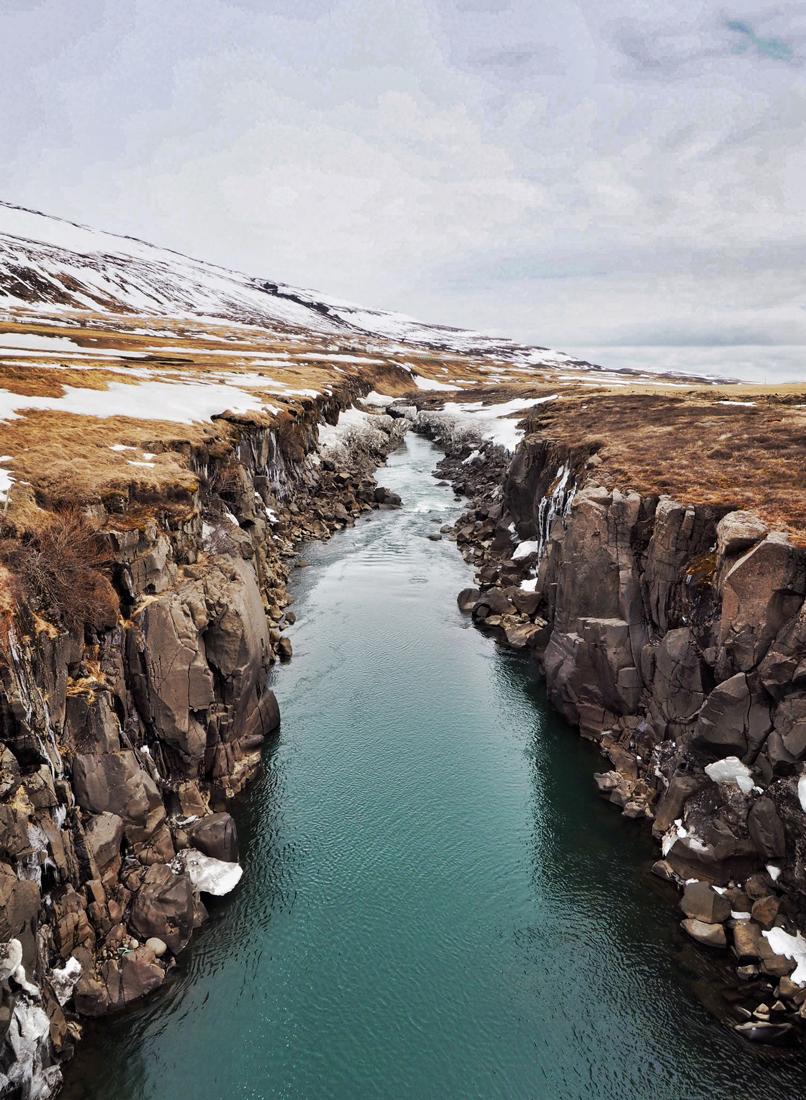 2016-iceland-roadside-02.jpg