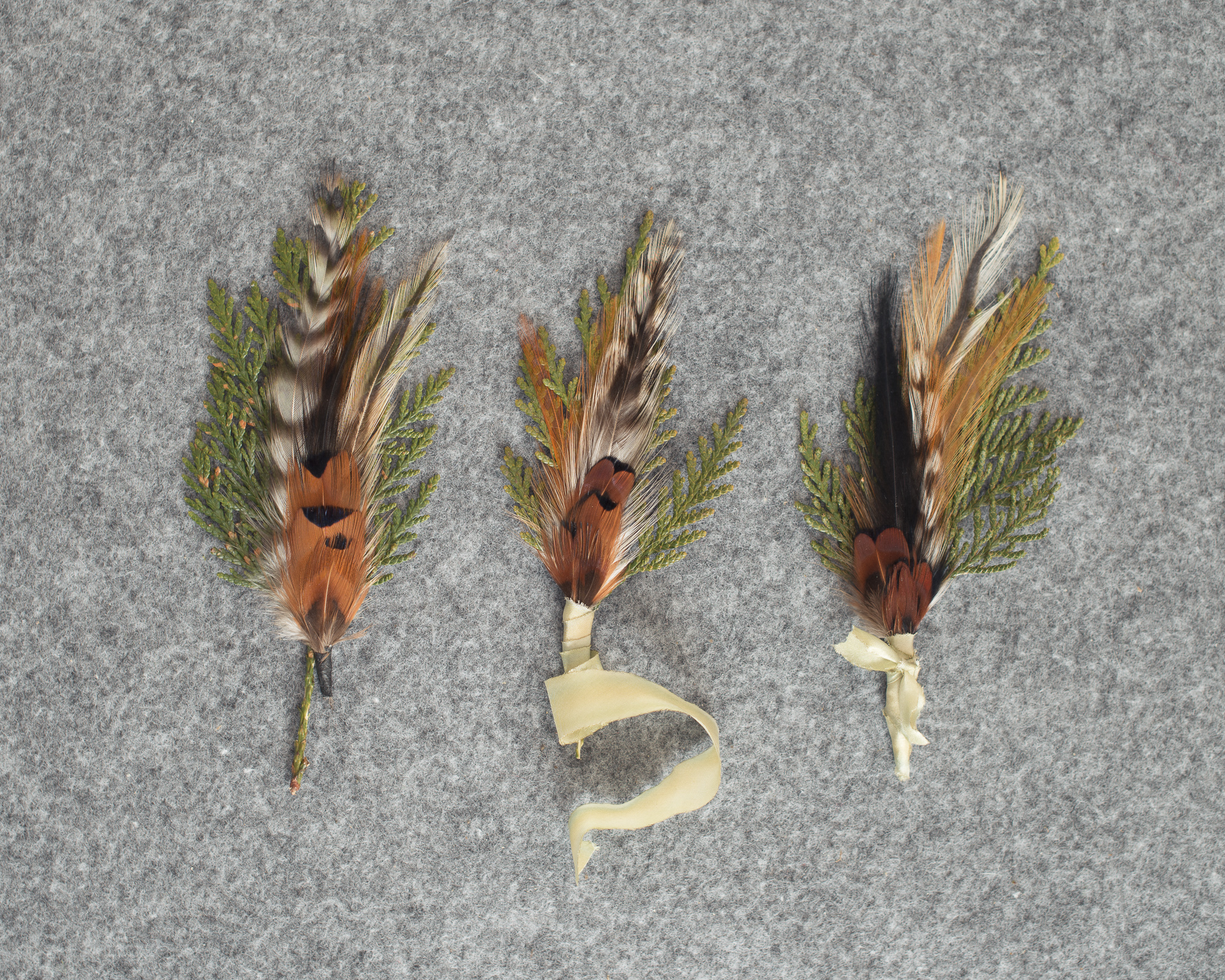 feather-boutonnieres