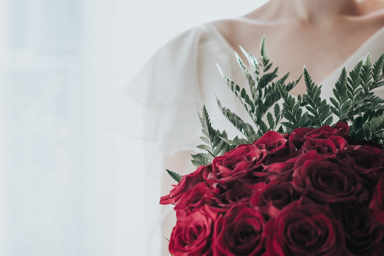 2cedarsphoto-red-rose-bouquet-bride.jpg