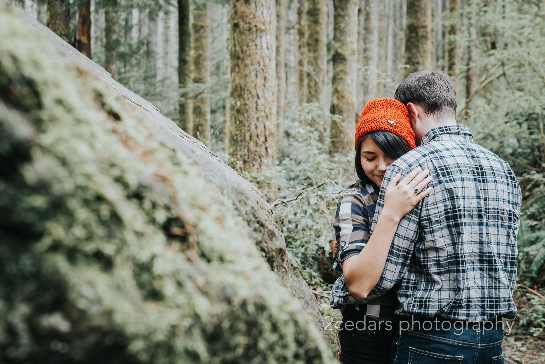 Rattlesnake Ridge trail couple