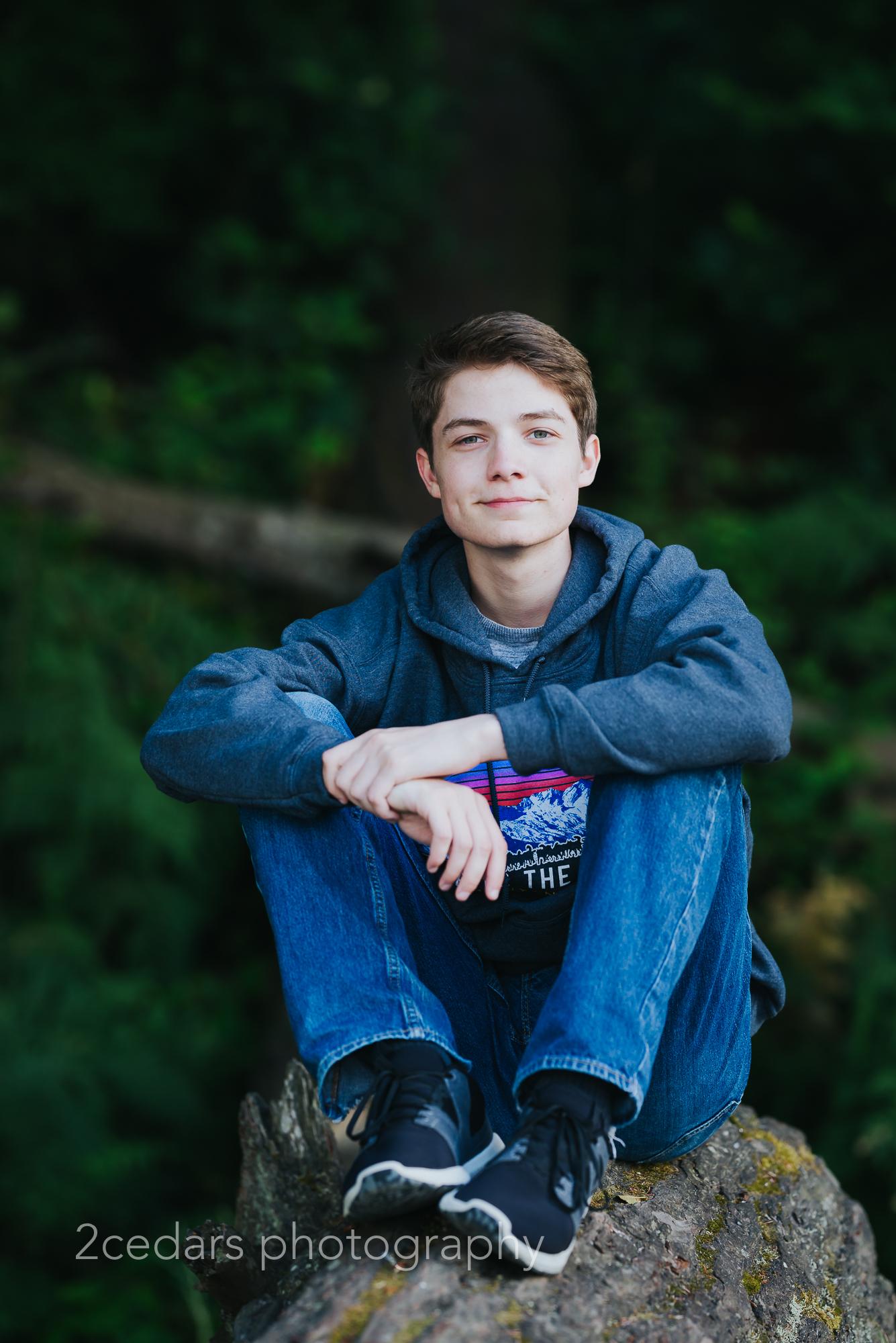 Web-Nate-Senior-Portraits-2cedarsphoto-7.jpg