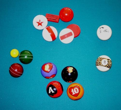 Novelty_billiard_balls.jpg