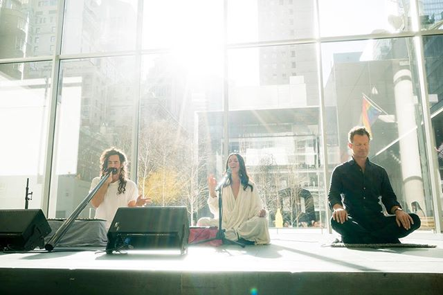 Amazing vibe @themuseumofmodernart with @nichoplowman of @insighttimer  Looking forward to more in Los Angeles and Sydney! ✨ Thank you @flavorpill @saschaflavor 📷 by @welcomeearth