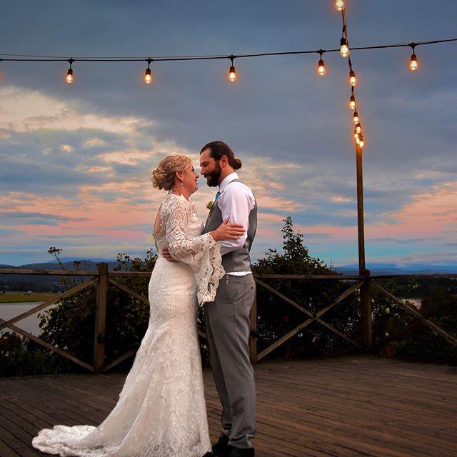 An amazing day for an amazing couple. Congratulations Kel & Gregory 💕🎉🥂💍 📷 @laurabfphotography  #tamarvalley #weddingtas #vineyardwedding #festoonlights #riverviews #weddingdresss #strathlynn