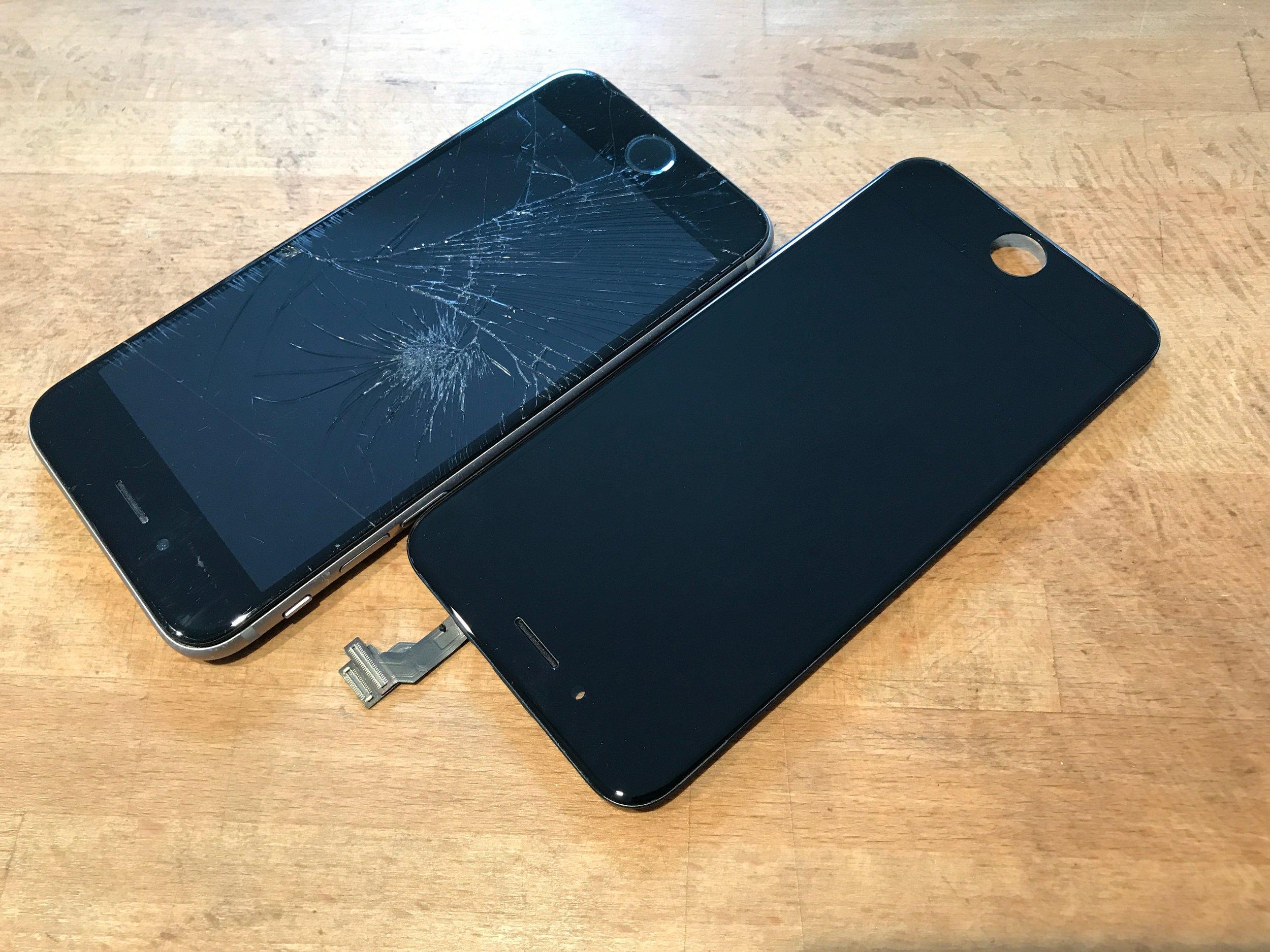 hot sales c5af9 dbf64 How to spot a spot a fake iPhone screen vs original quality — San ...