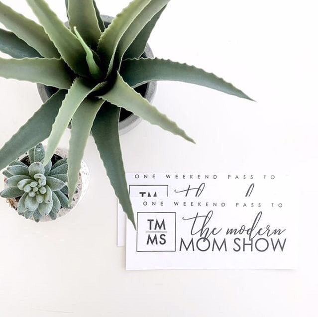 🍋Have you entered our @themodernmomshow giveaway yet? 🌵⁣⁣ ⁣⁣ Head over to @canadian_momlife and find the giveaway post to enter. It's a 30 second giveaway so it's super easy and you could win an amazing prize worth over $250!!!⁣ ⁣ Go go go!!