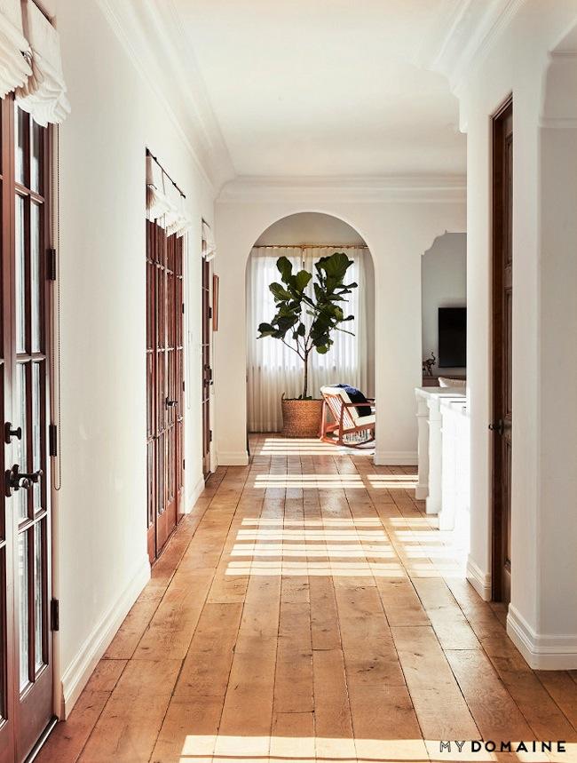 lauren-conrads-home_hallway.jpg