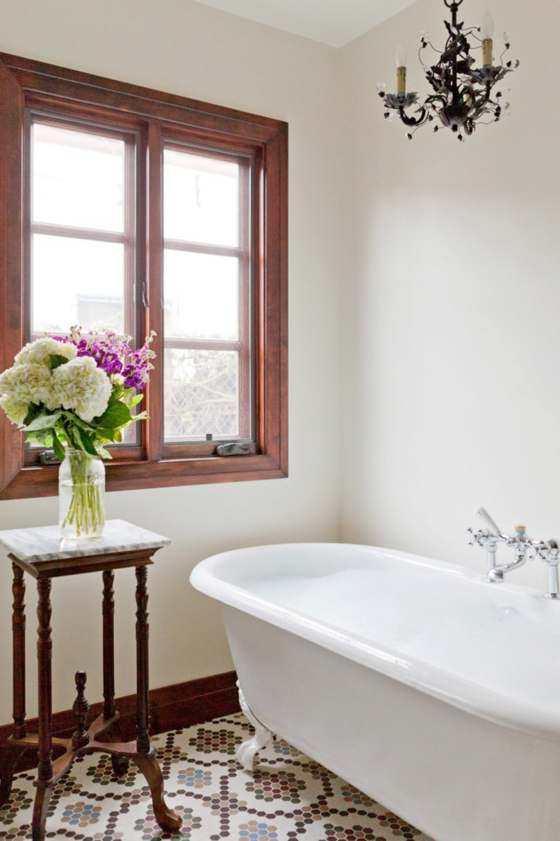 No detail was spared in the reproduction cast iron tub Katherine Carter used in this Los Angeles master bathroom.  Photo: Amy Bartlam