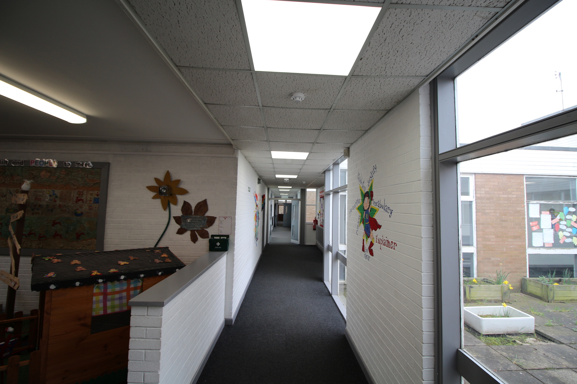 Corridors upgraded with a mix of Atlas bulkheads and Lux Panels