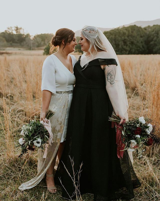Nothing gives us the goosebumps quicker than seeing our brides in their badass get-ups on their wedding day! ✨ Becca wears our MARGOT dress and matching Margot skirt ✨ and looks hella incredible! Congratulations Becca and Tara! #gingerandgoldbride @clairesearlephotography @onedayweddingsandevents