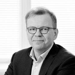 Mikko Niskanen, Member of the Board of Directors  Mikko Niskanen is a member of the Board of Directors. Mikko has a long experience as an economist and from institutional investing. He has a Licenciate Degree in Economics from the University of Helsinki and is a CFA charterholder. Mikko Niskanen is one of the founding partners of AIM Capital.
