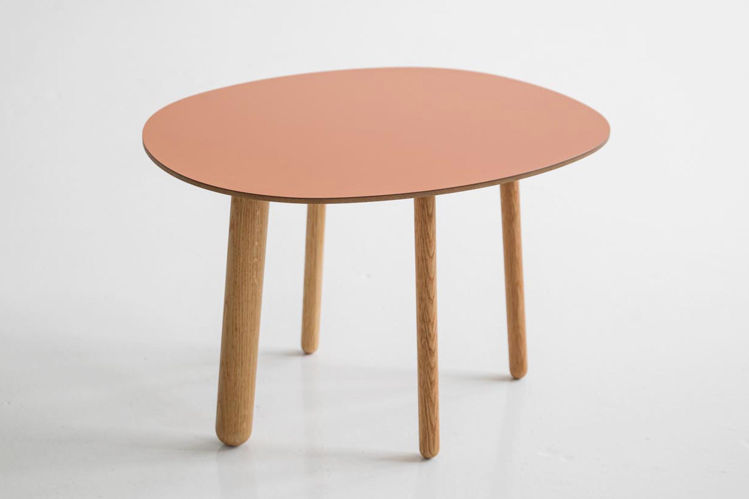 Morris coffee table model 2 in matte terracotta