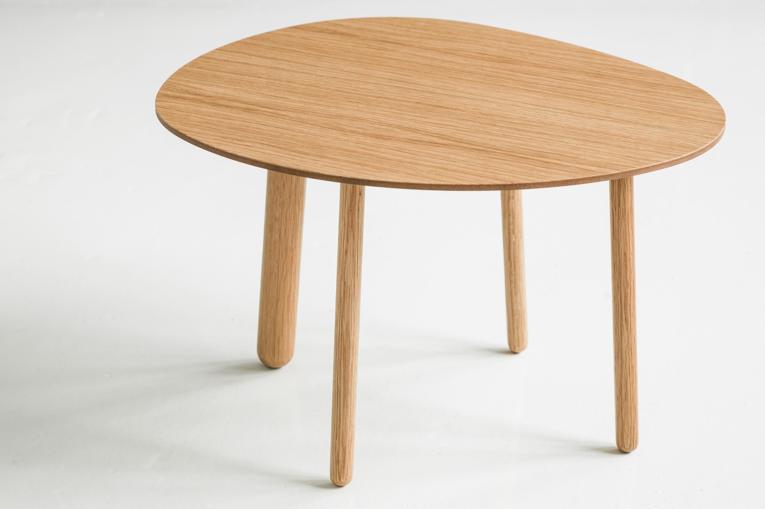 Morris coffee table model 1 in oak