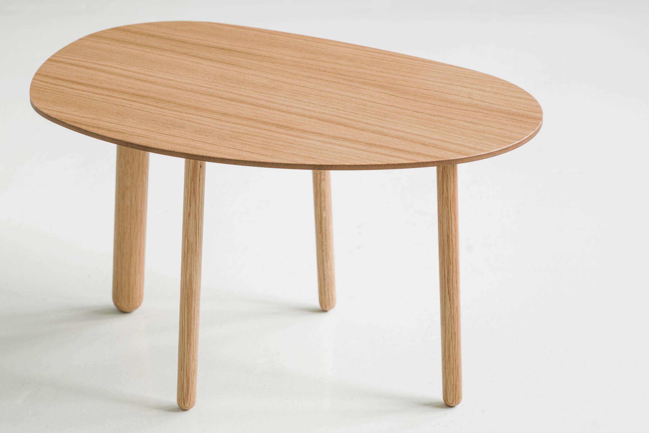 Morris coffee table model 4 in oak