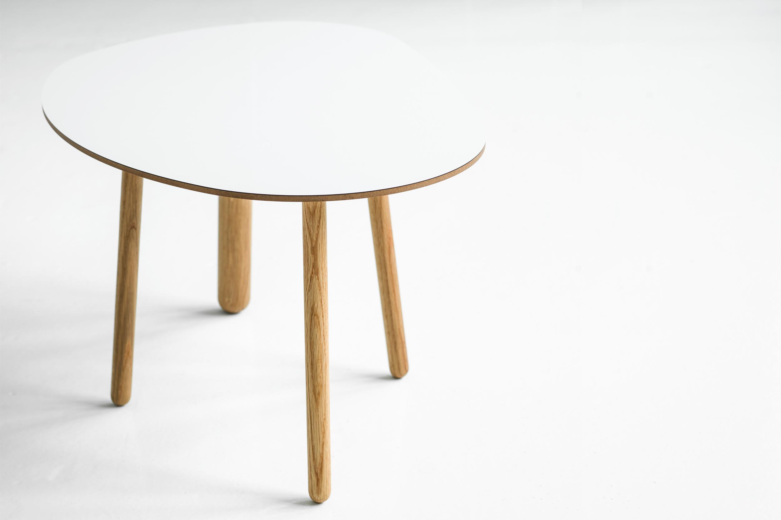 Morris coffee table model 1 in matte white