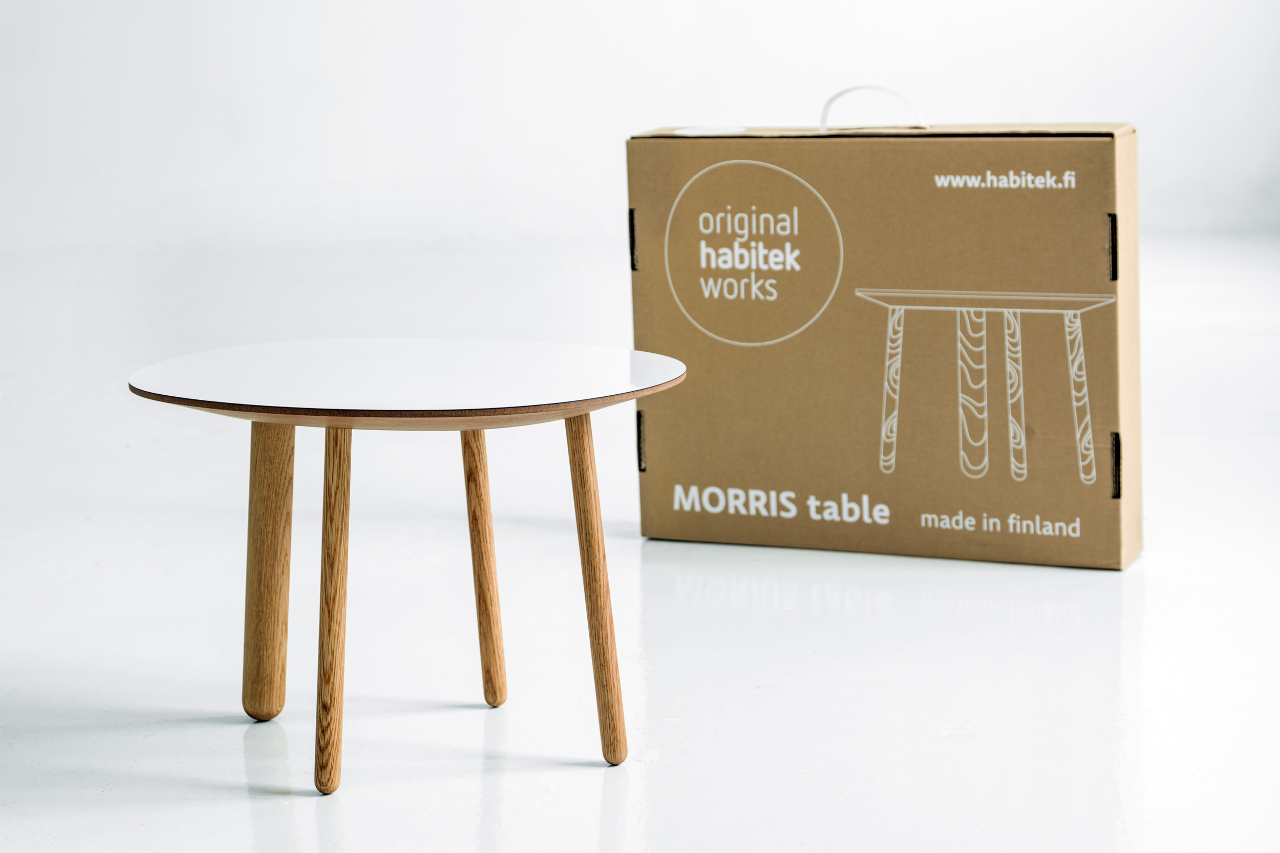 Morris coffee table model 2 in glossy white