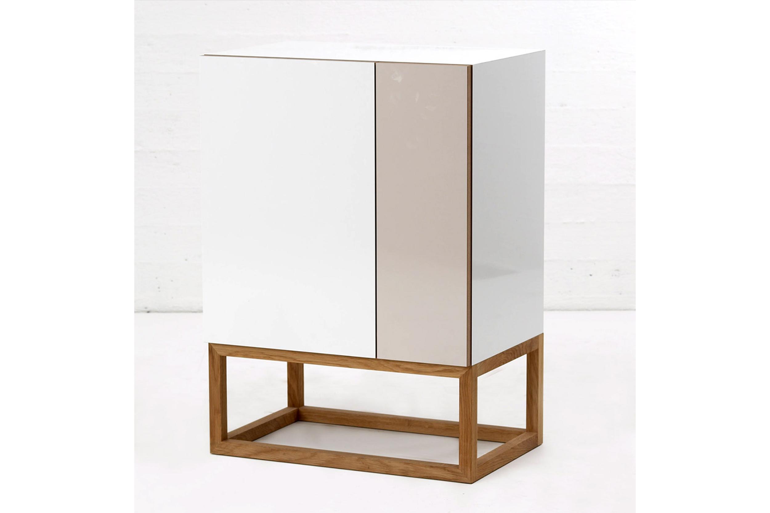 Habitek Stripe cabinet in white and beige