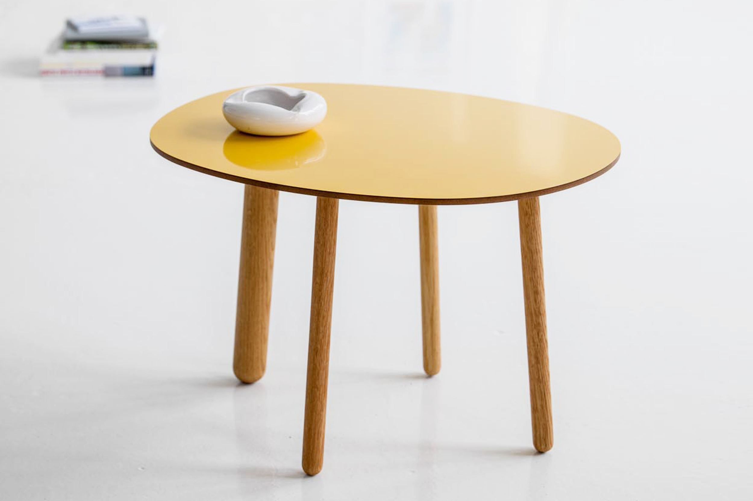 Morris coffee table model 2 in glossy yellow
