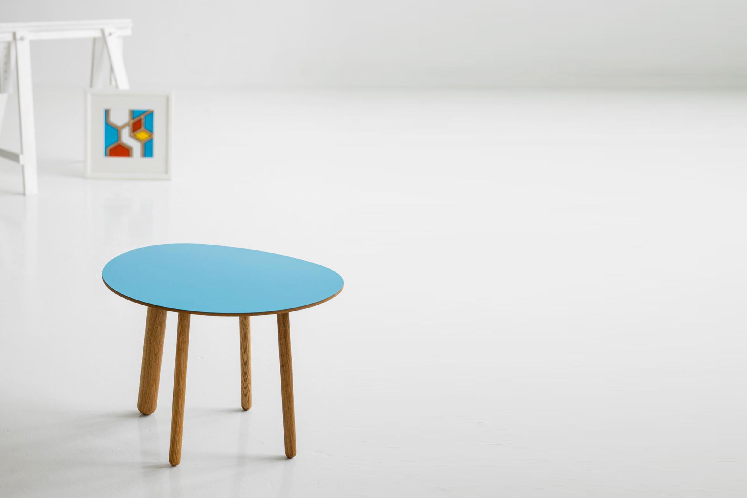 Morris coffee table model 5 in california blue