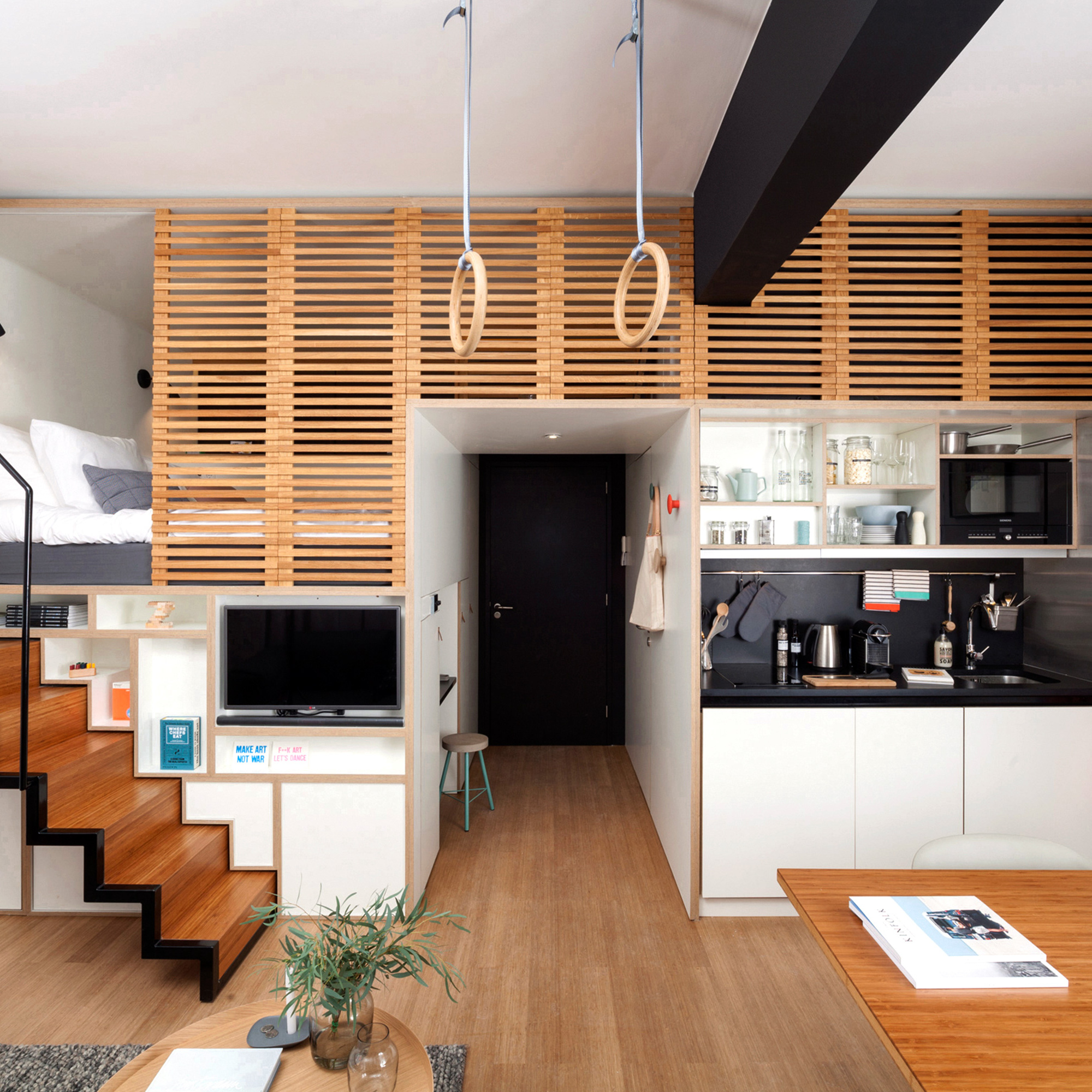 mendo-book-living-in-style-adam-zoku-2000x2000-c-default.jpg