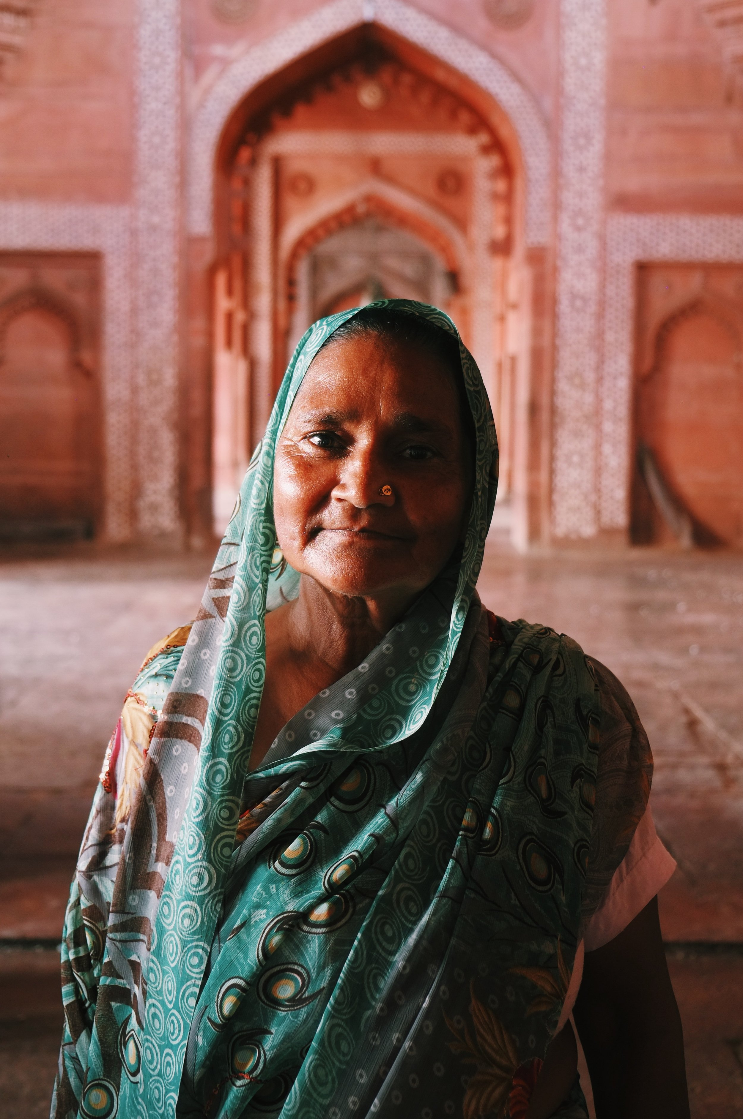 Lady Fatehpur Sikri India Joost Bastmeijer.jpeg