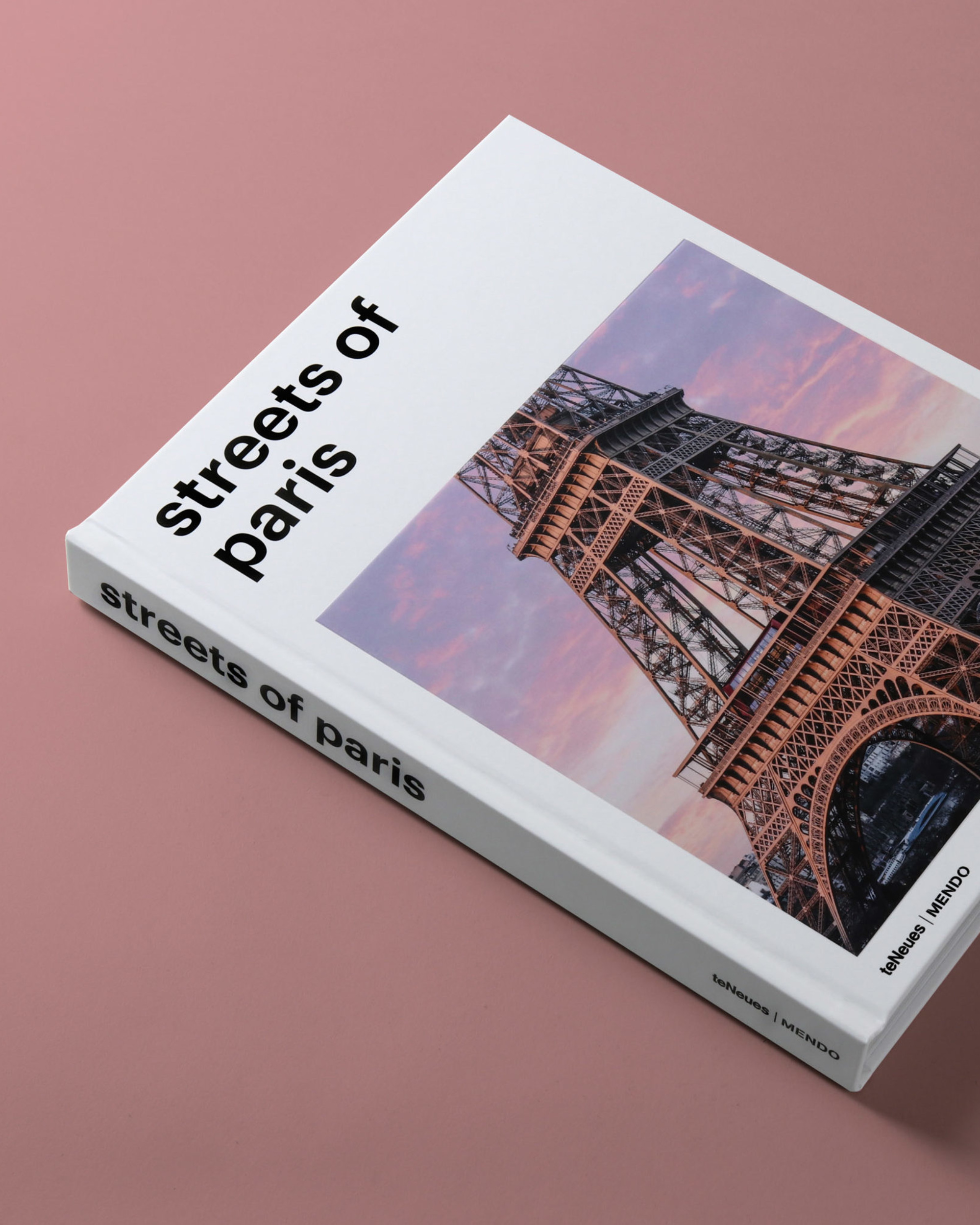 mendo-book-streets-of-paris-studio-23-e1537443460103-2000x2500-c-default.jpg