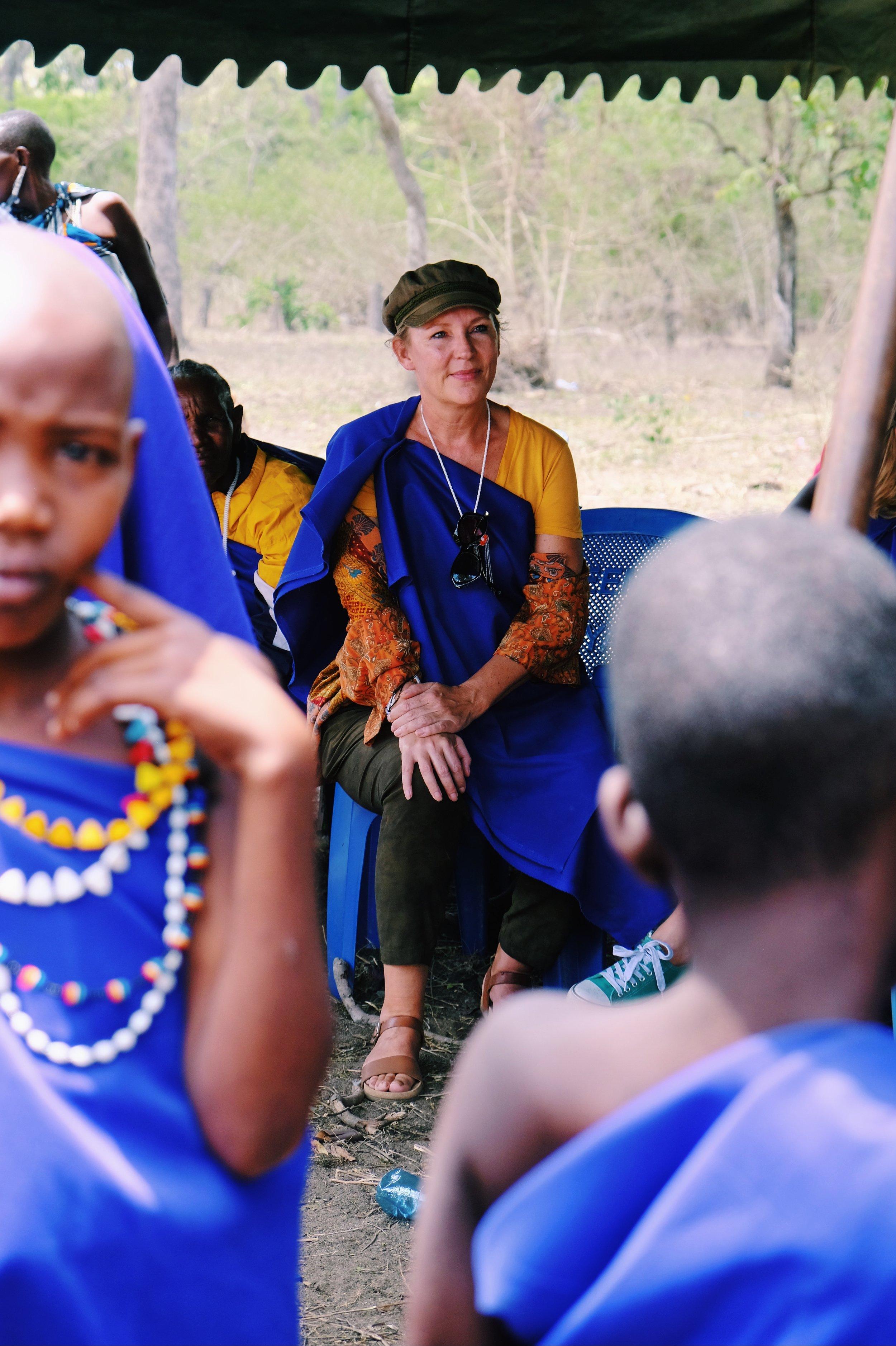 Schrijfster Saskia Noort in Tanzania.JPG