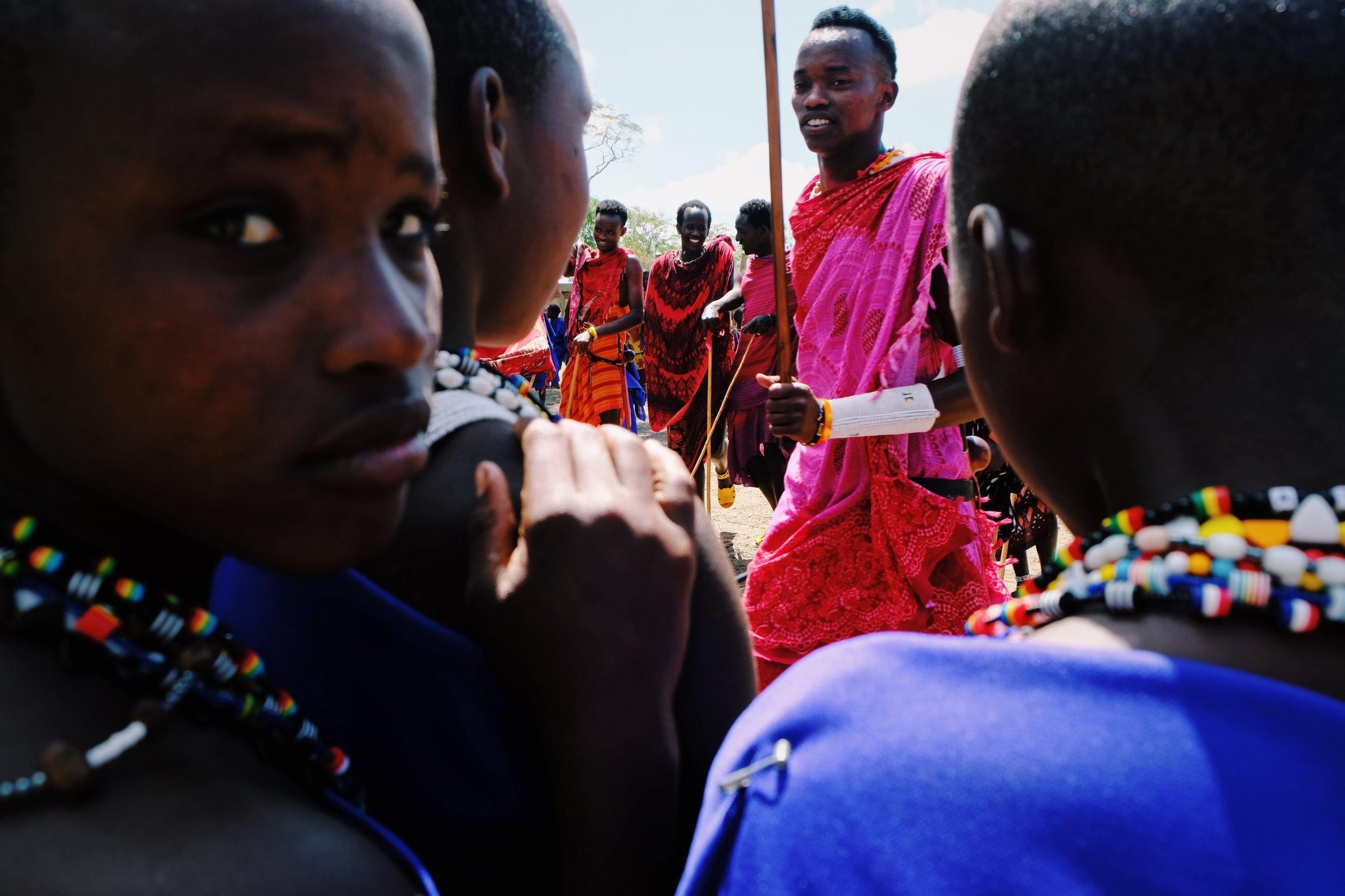 Morans+and+masai+girls+in+Kilindi+Tanzania.jpg