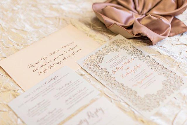 #customweddinginvitations #rosegold #rosegoldwedding #blushwedding #weddinginvitations