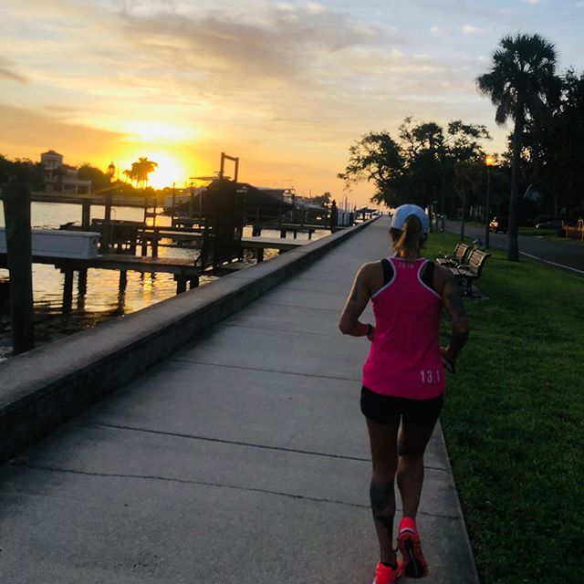 Saturday morning running in DTSP 🖤 #triathlontraining #running #marathontraining