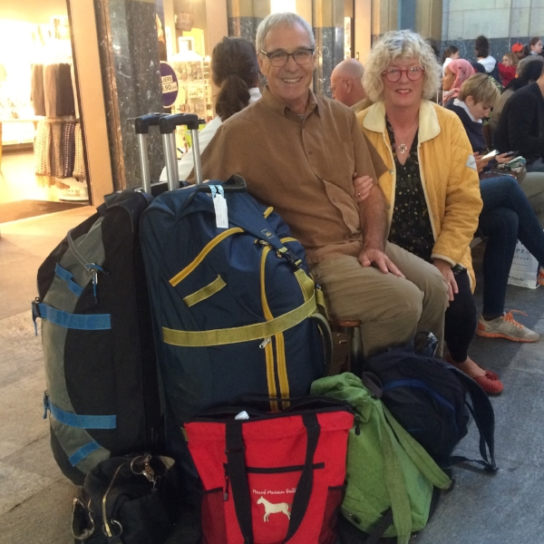 Could we travel full-time with all of our possessions in just 6 bags? We met people who did it with less - that's a goal for this next round!
