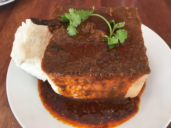 Bunny Chow! I would have eaten anything with that moniker - just to try it. Fortunately it turns out to be delicious, fiery hot curries served in a hollow white bread box.