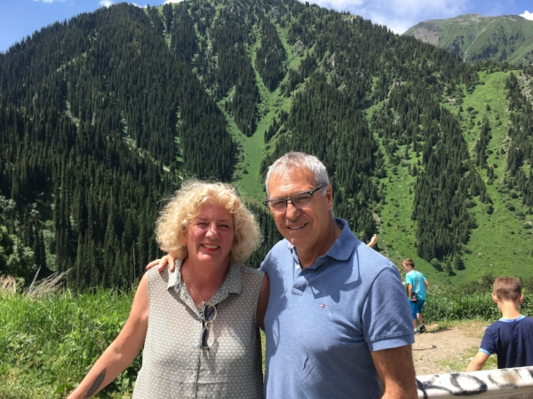 it was great to take in some fresh mountain air high above Almaty. The roads on the GPS looked like spahghetti.