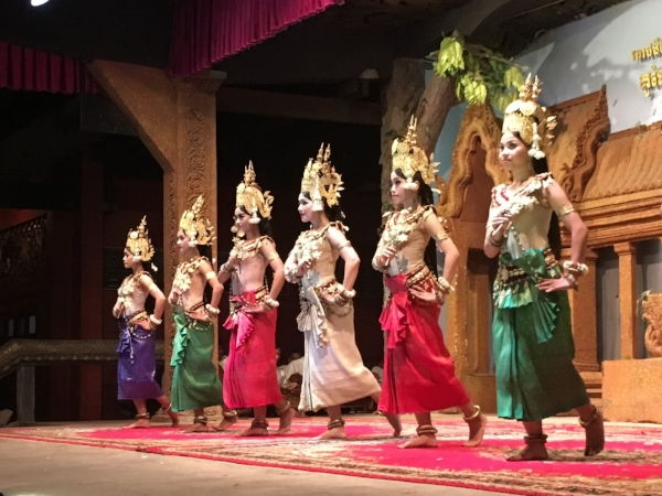 Even though this was a bit touristy, I am glad we were able to see at least a bit of Thai culture.
