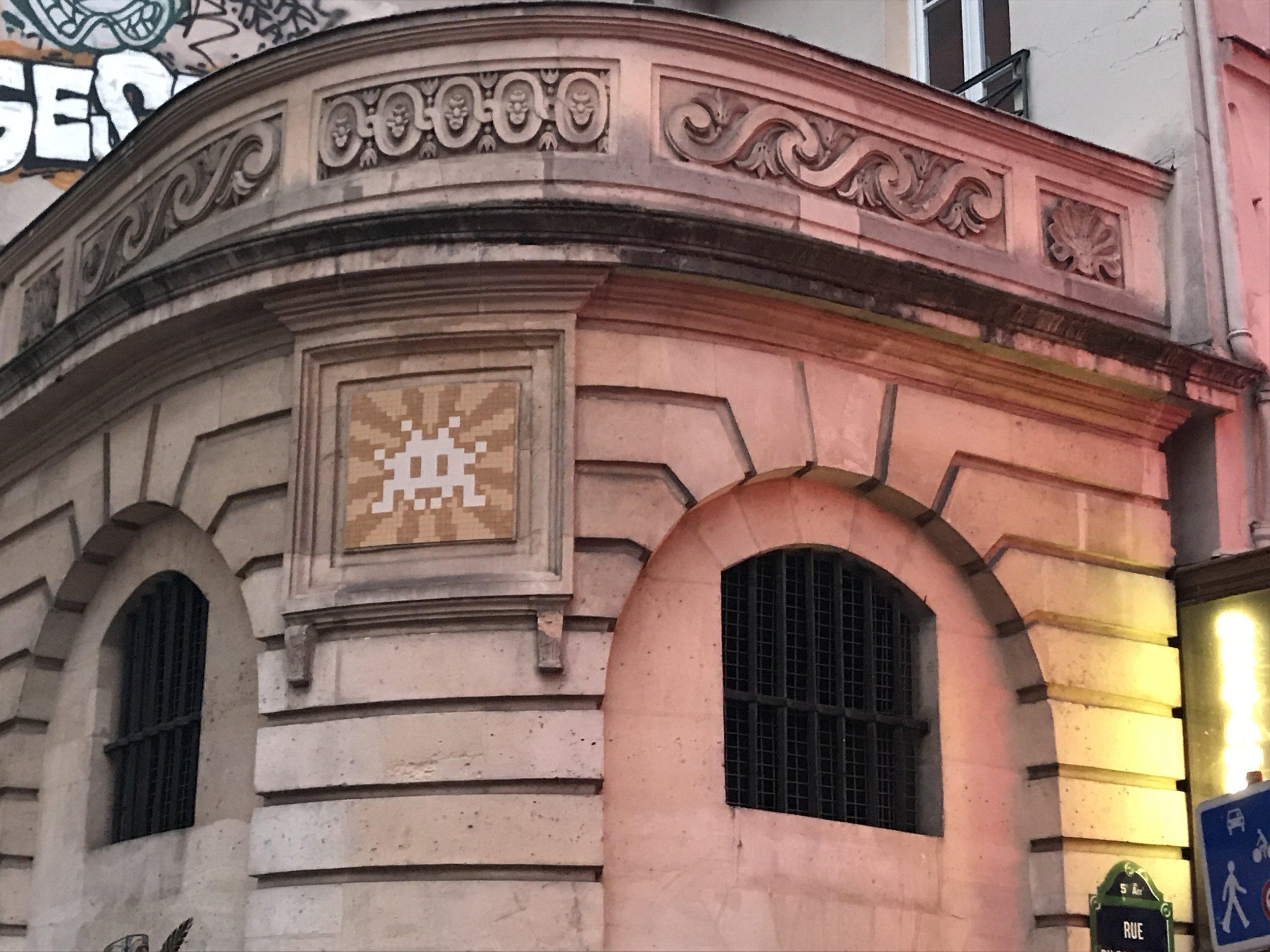 Dr Bookworm Space Invaders Mosaics Paris 3.JPG