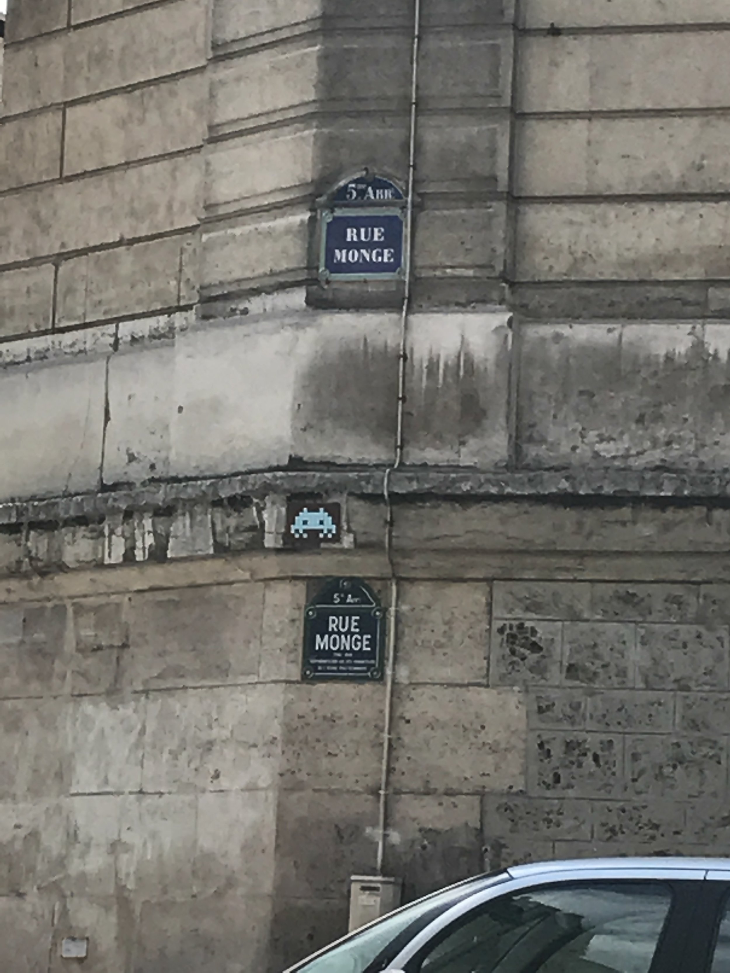 Dr Bookworm Space Invaders Mosaics Paris1.JPG