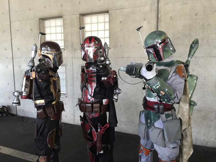 Cosplayers in Mandalorian armor at Tokyo Comic Con 2016. Photo by   Tokyo Fox.