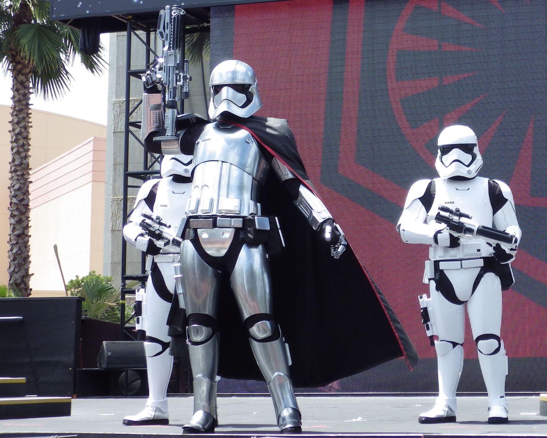 Hollywood-Studios-Star-Wars-008-20x25.jpg