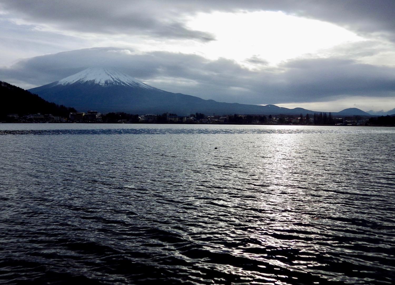 Lake-Kawaguchi.jpg