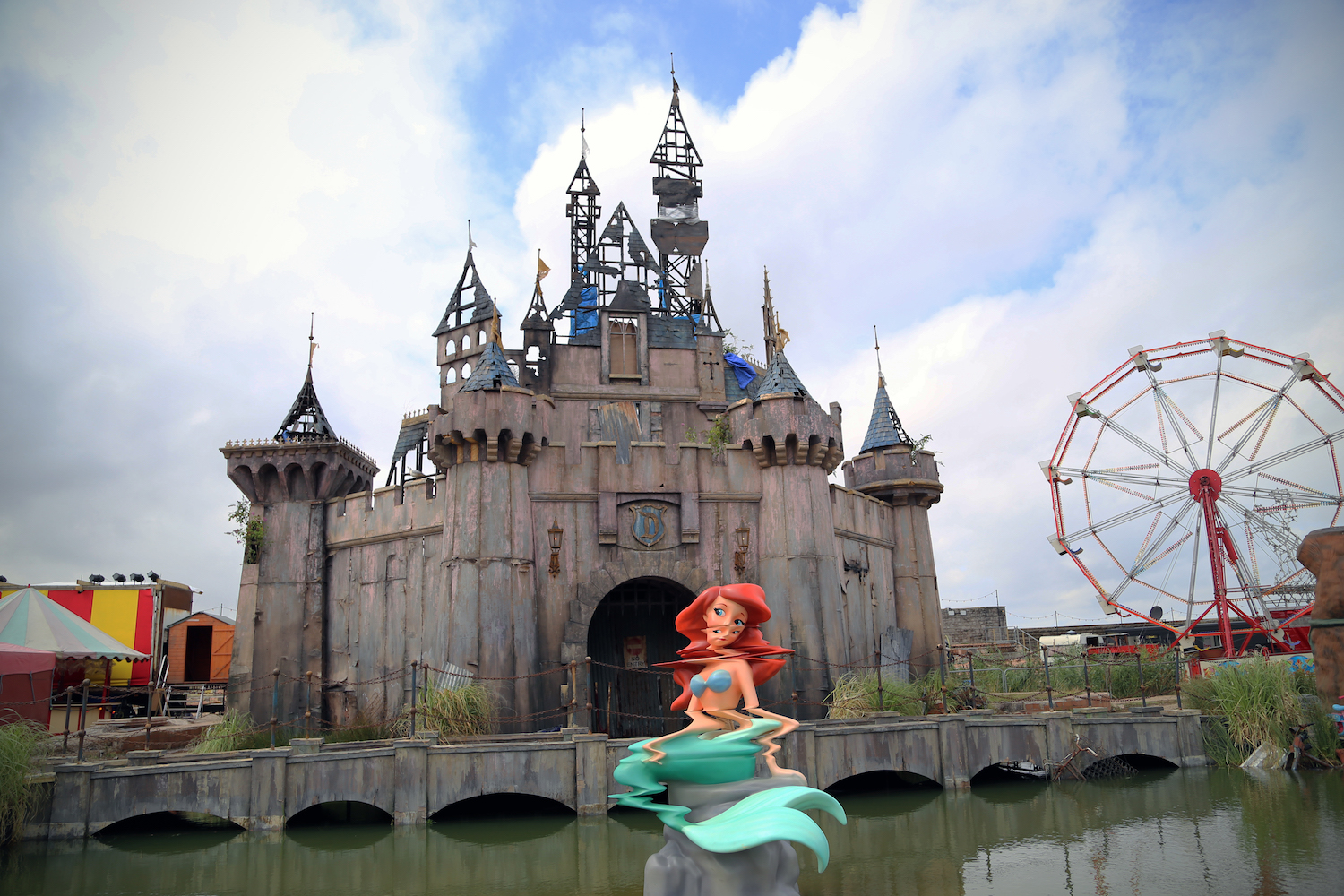 The Dismaland exhibition. Photo by   Byrion Smith  . Utilized under a   CC BY 2.0   license.