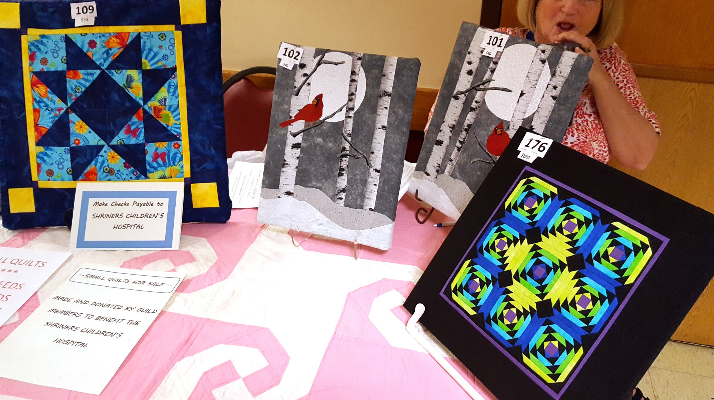small quilts at the quilt show4.jpg