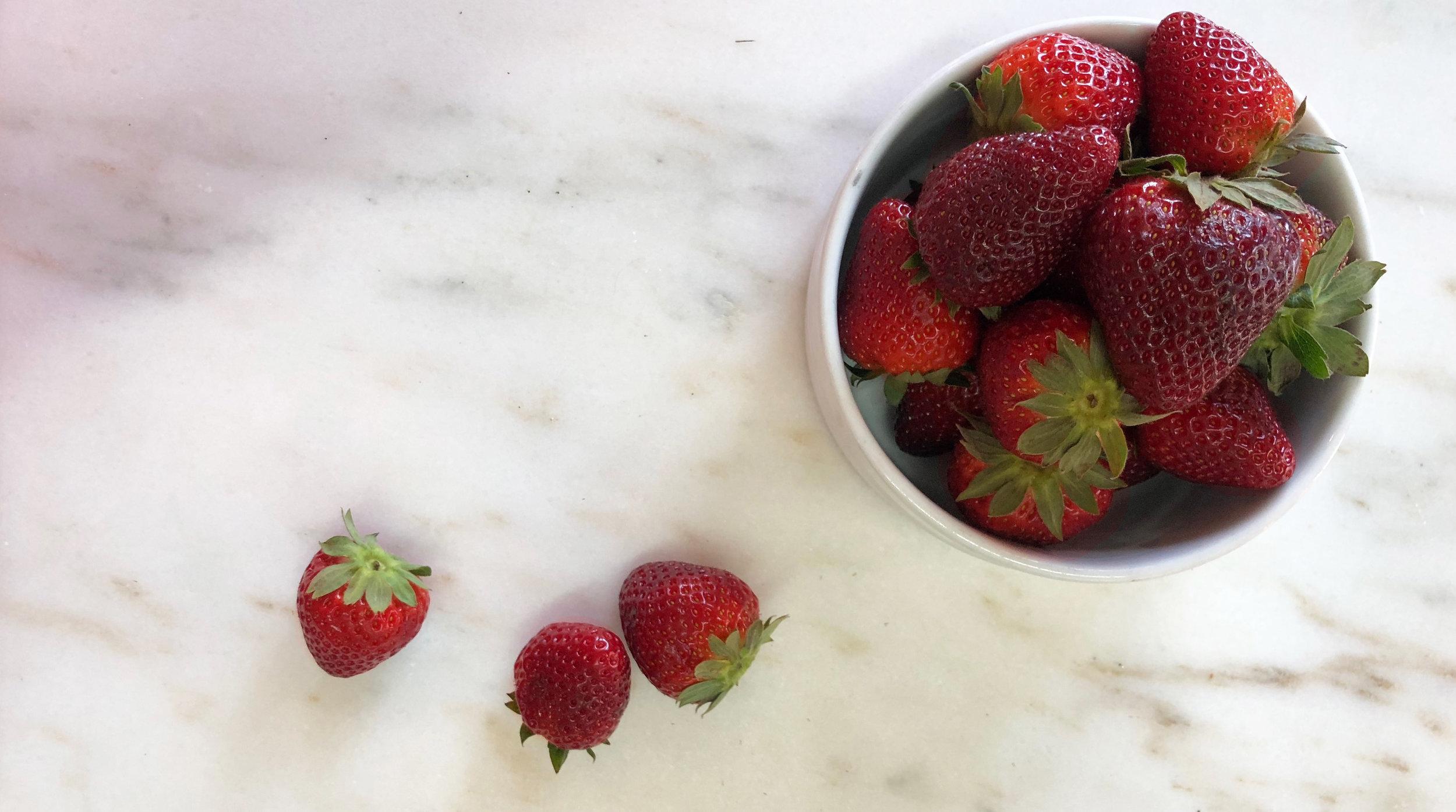 Strawberries /  Verbena, Alabama