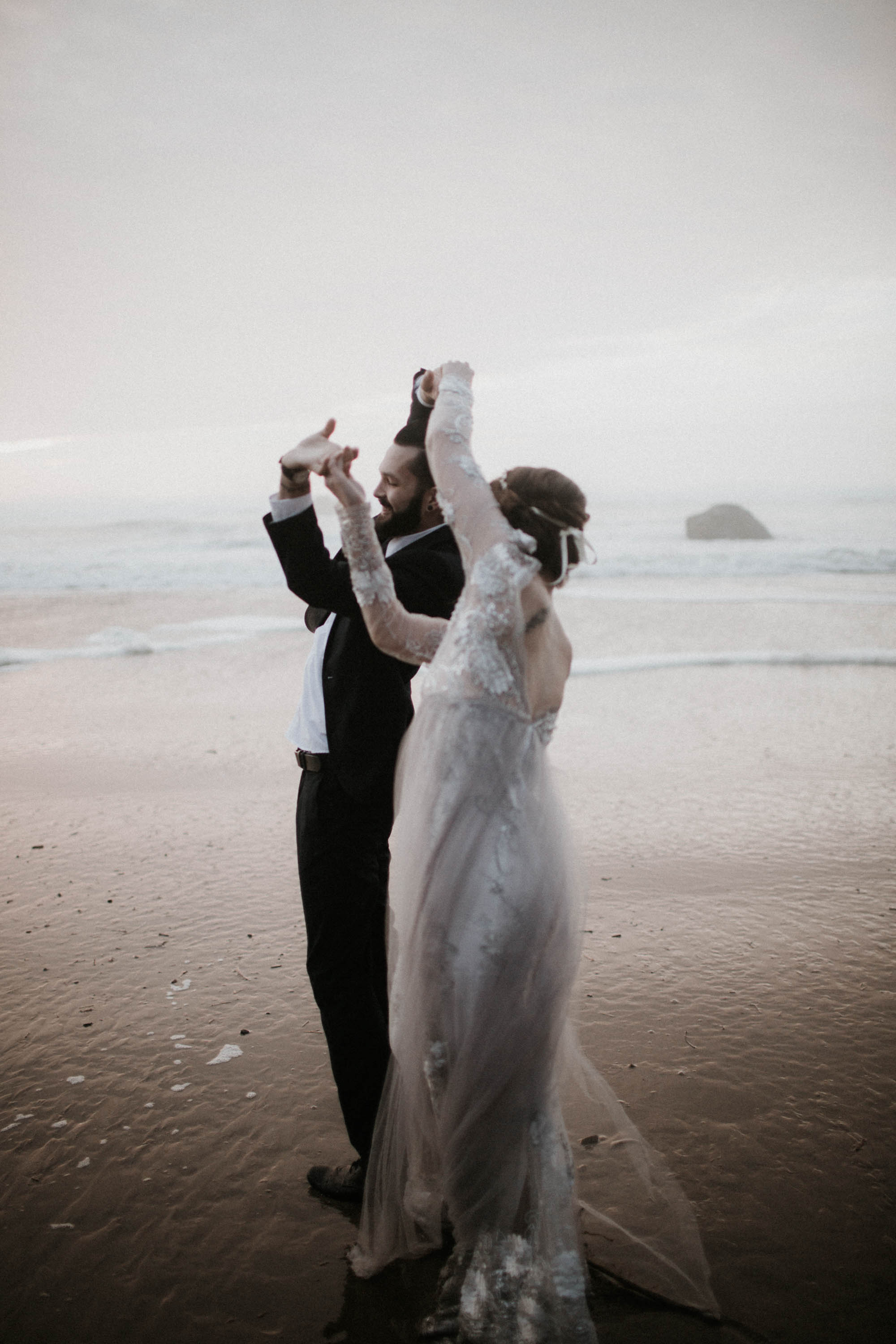 canonbeach_elopment_weddingphotographer-64.jpg