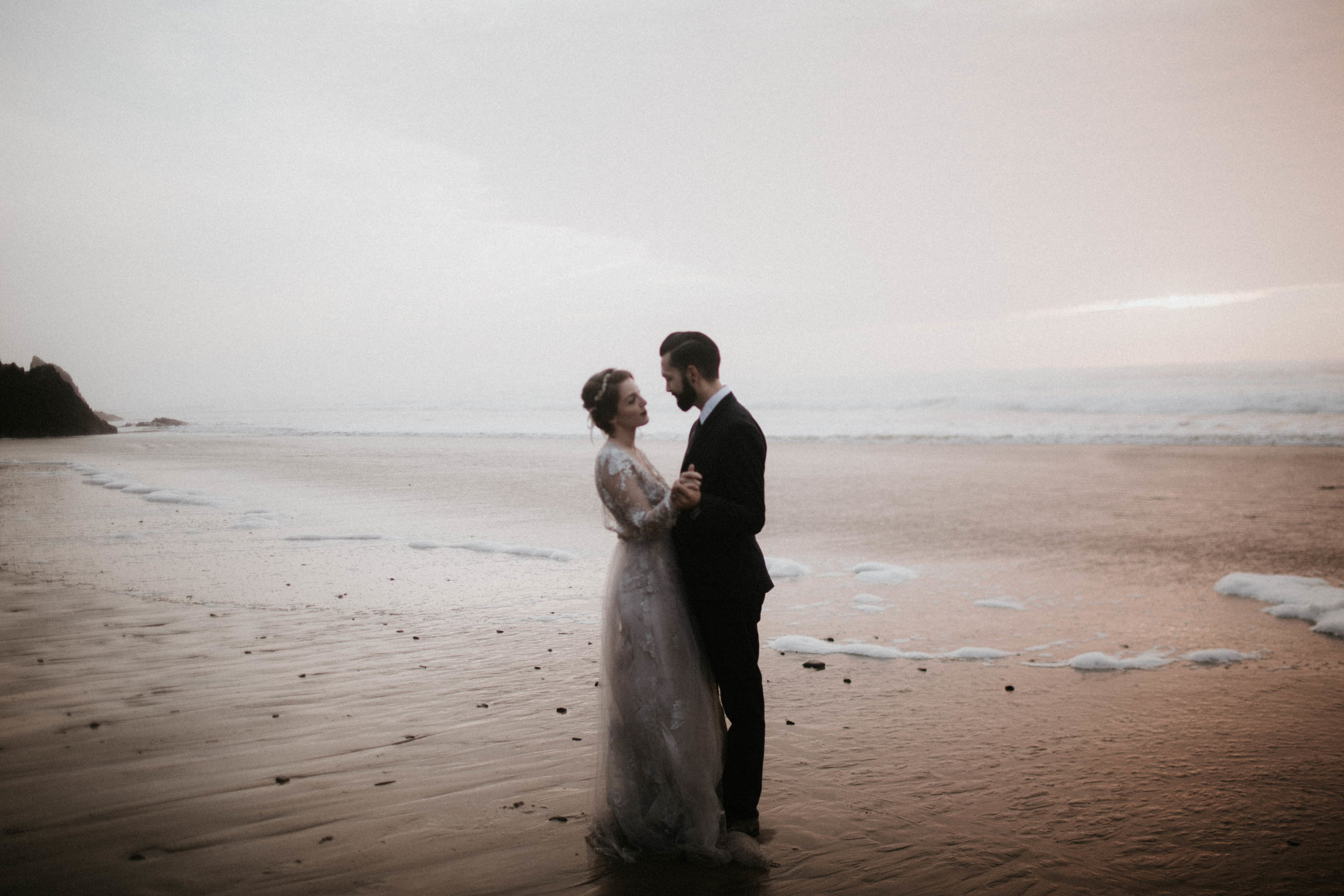 canonbeach_elopment_weddingphotographer-76.jpg