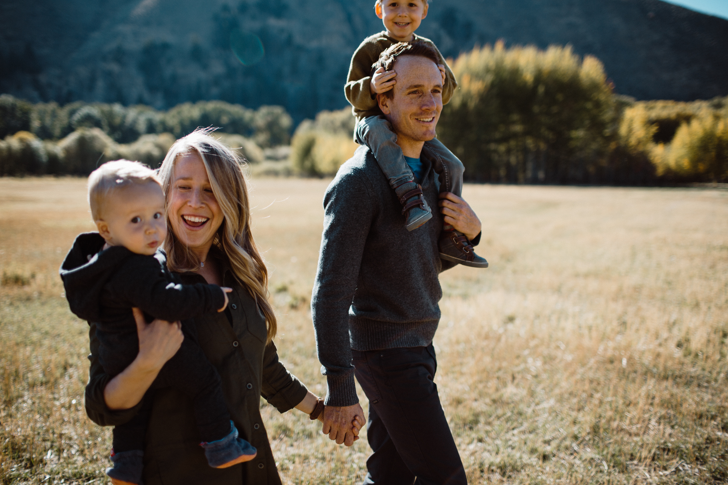 walkerfamily-Sunvalleyfallfamilyphotos-5.jpg