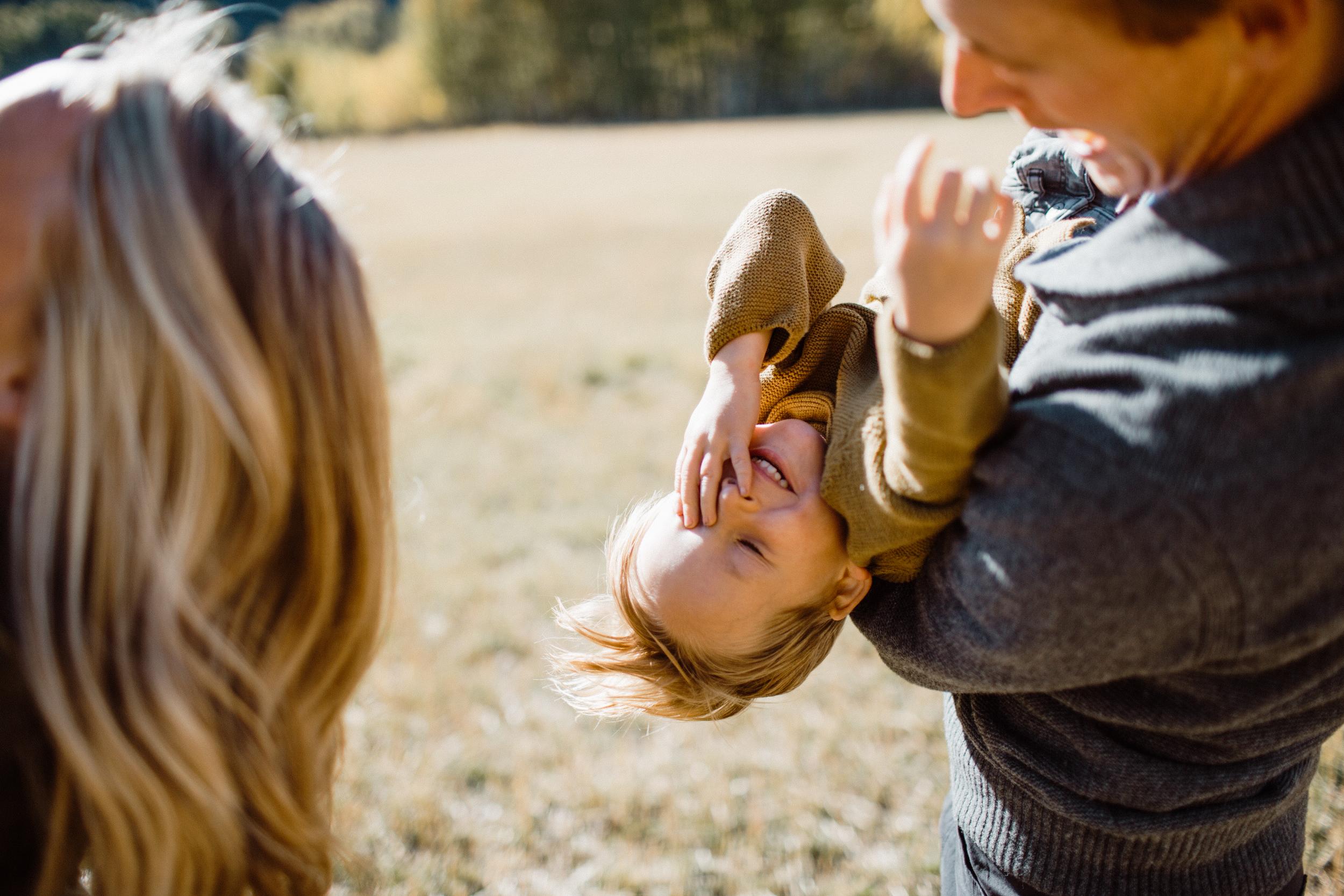walkerfamily-Sunvalleyfallfamilyphotos-9.jpg