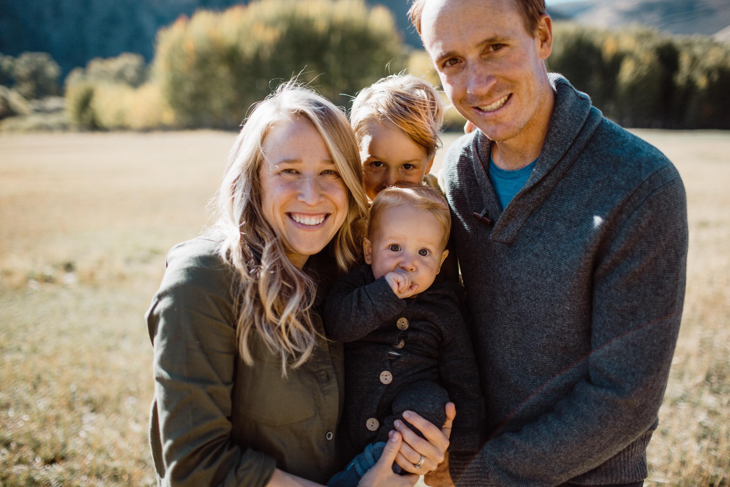 walkerfamily-Sunvalleyfallfamilyphotos-12.jpg