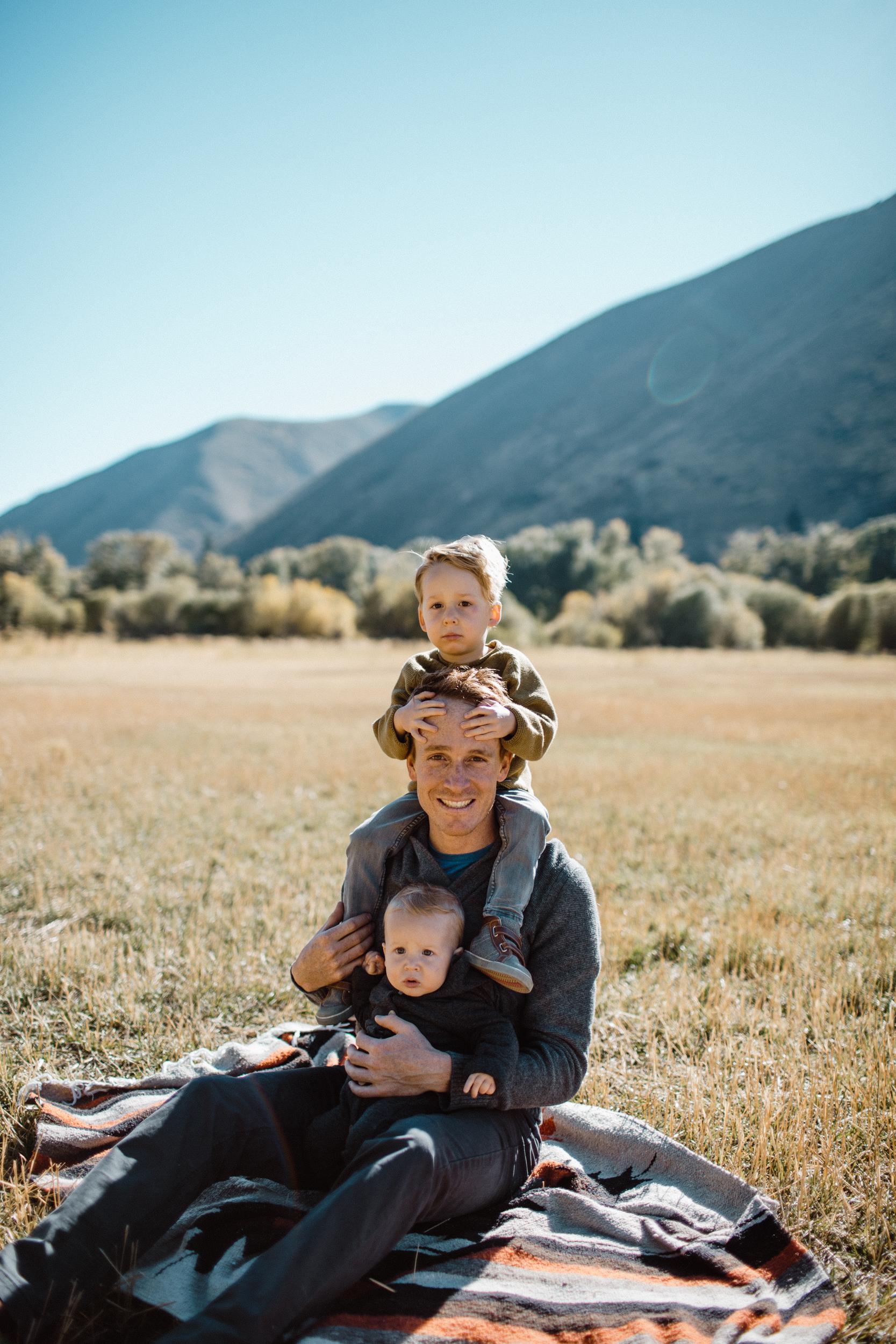 walkerfamily-Sunvalleyfallfamilyphotos-23.jpg