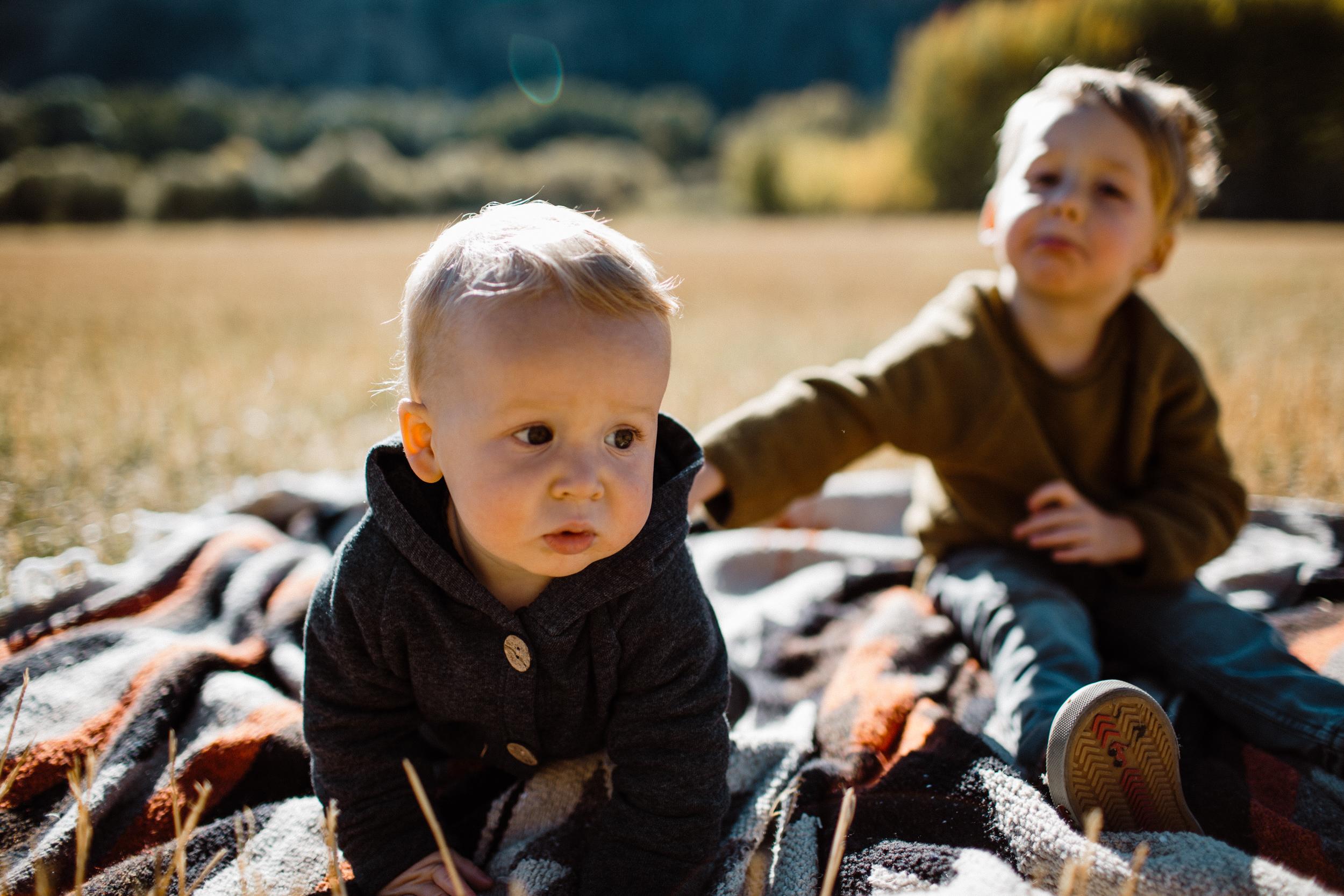 walkerfamily-Sunvalleyfallfamilyphotos-32.jpg