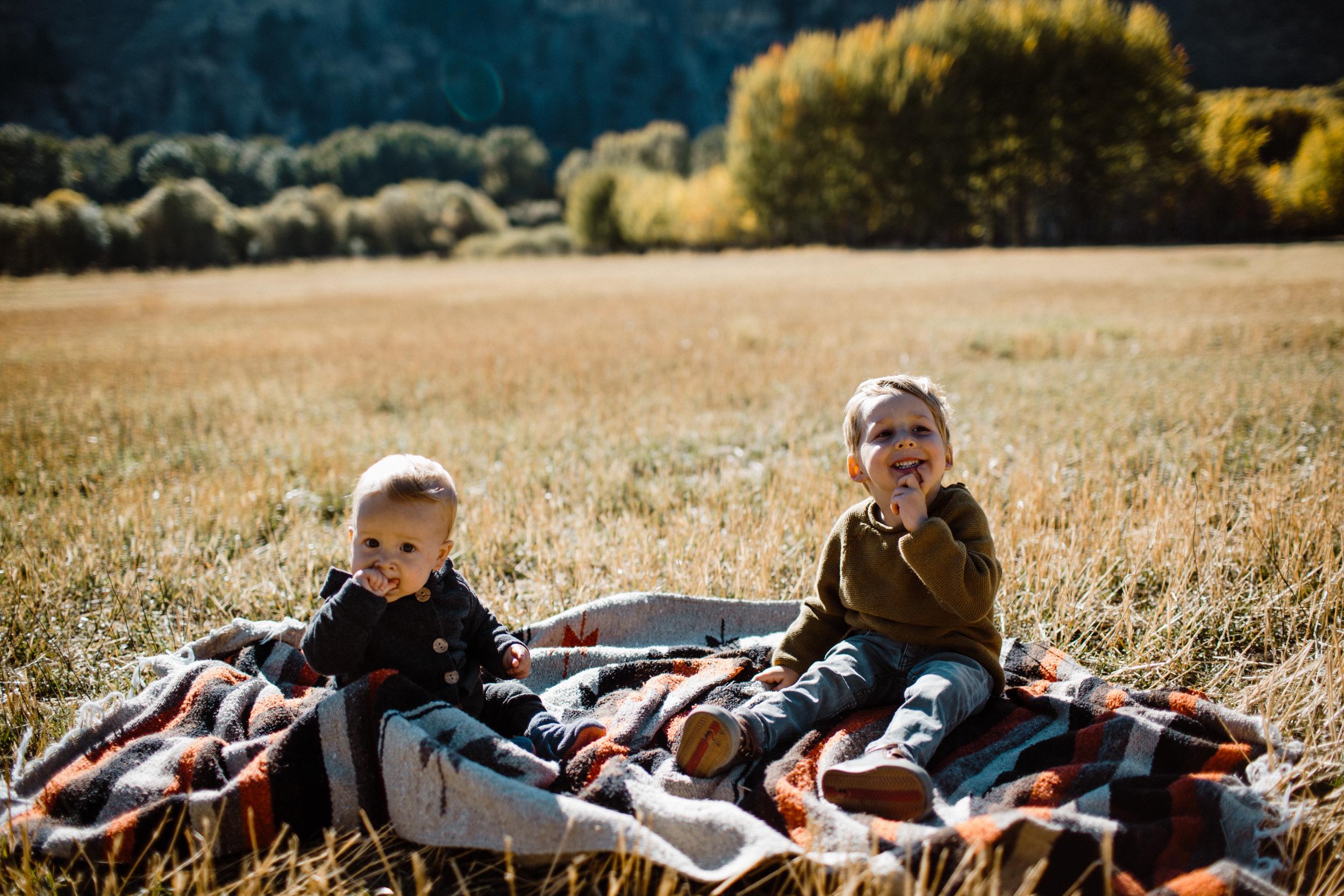 walkerfamily-Sunvalleyfallfamilyphotos-33.jpg